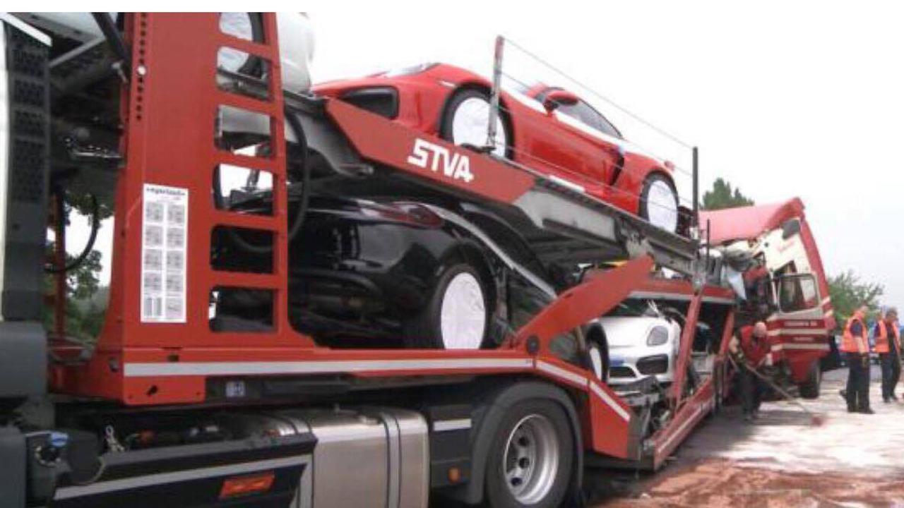 Tai nạn xe Porsche 4