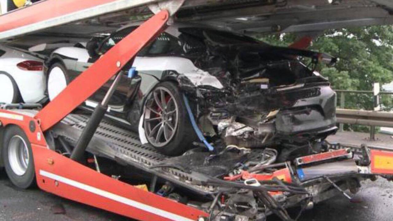 Tai nạn xe Porsche 6