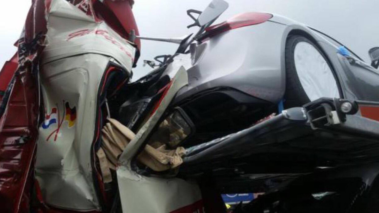 Tai nạn xe Porsche 12
