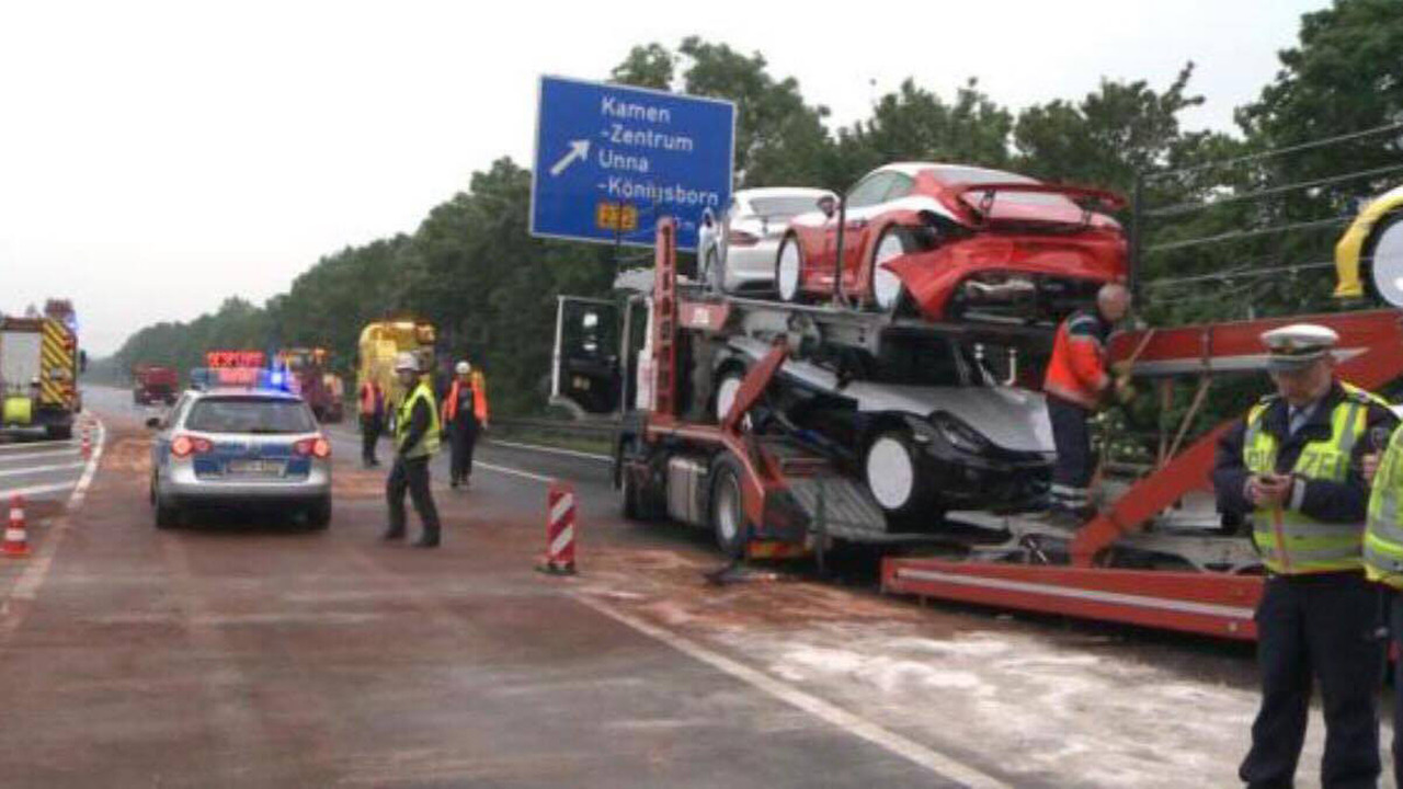 Tai nạn xe Porsche 14