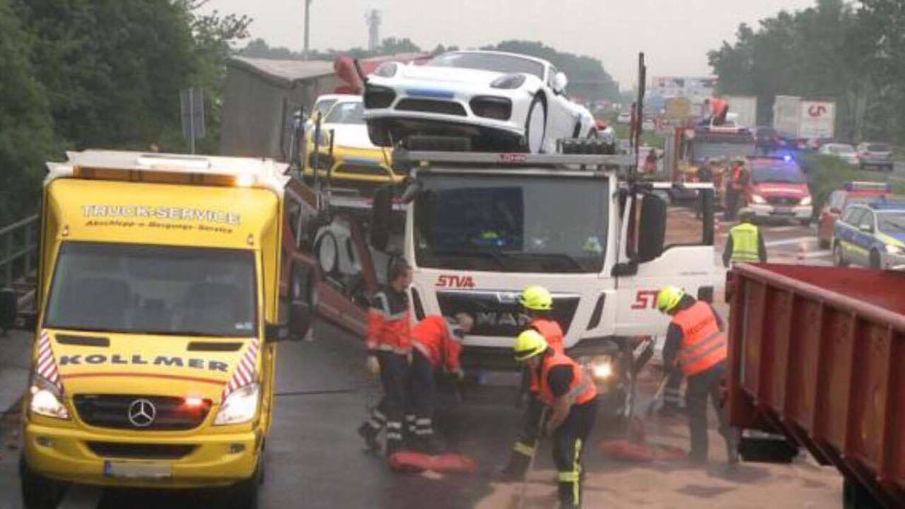 Tai nạn xe Porsche 16