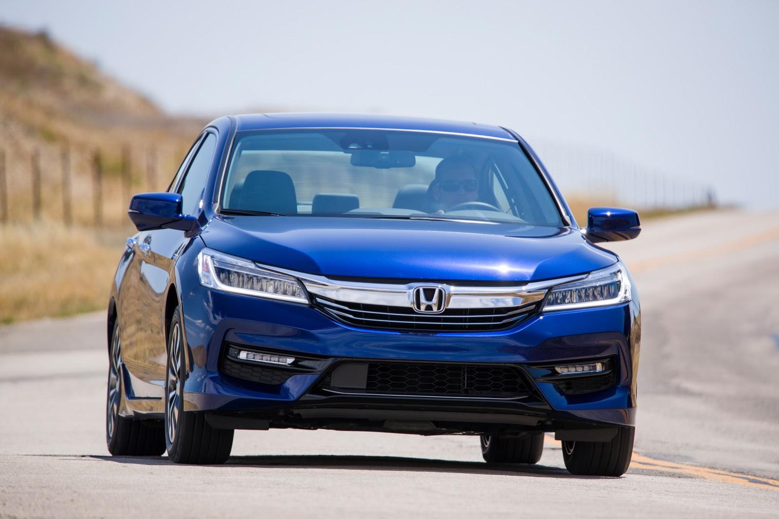 Giá xe Honda Accord Hybrid 2017 từ 29.605 USD với 3 phiên bản 2
