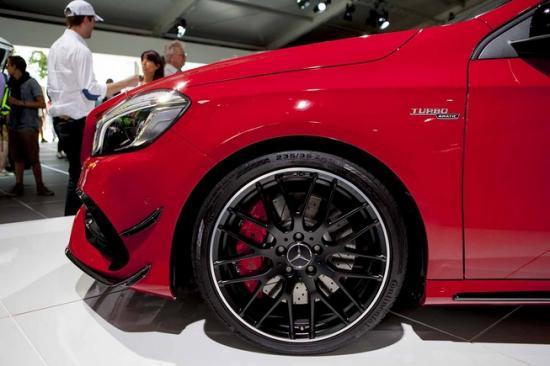 Ra mắt Mercedes-Benz A-Class A7