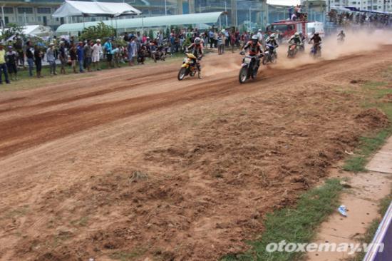 niềm đam mê đua xe của người Sài GònA1