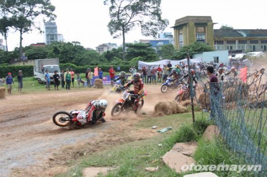 niềm đam mê đua xe của người Sài GònA10