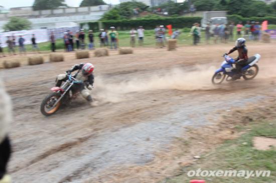 niềm đam mê đua xe của người Sài GònA13