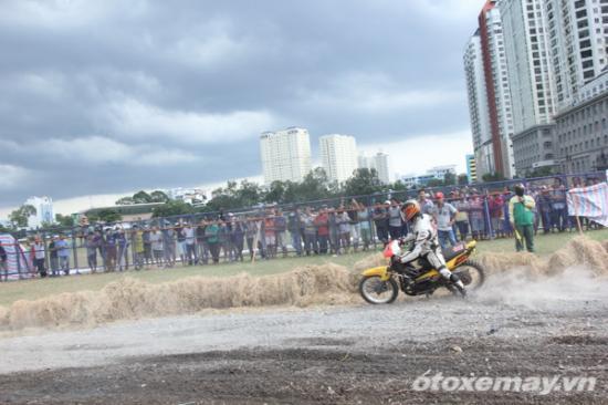 niềm đam mê đua xe của người Sài GònA11