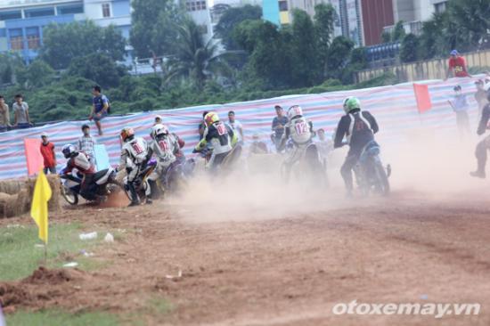 niềm đam mê đua xe của người Sài GònA8