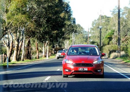 Đánh giá Ford Focus mới sắp về Việt Nam 15
