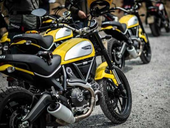 Ducati scrambler 400 A2