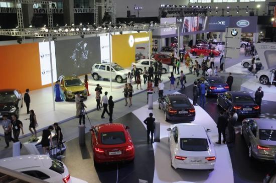 Lượng ô tô nhập khẩu tháng 10