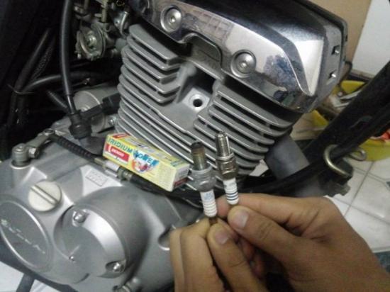 sử dụng và bảo dưỡng bugi xe A2