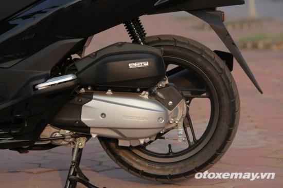 Honda PXC và Yamaha NM-X A1