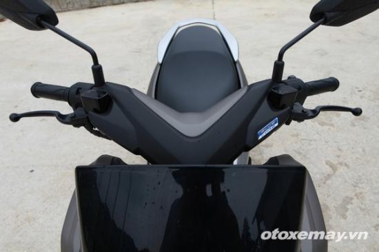 Honda PXC và Yamaha NM-X A15