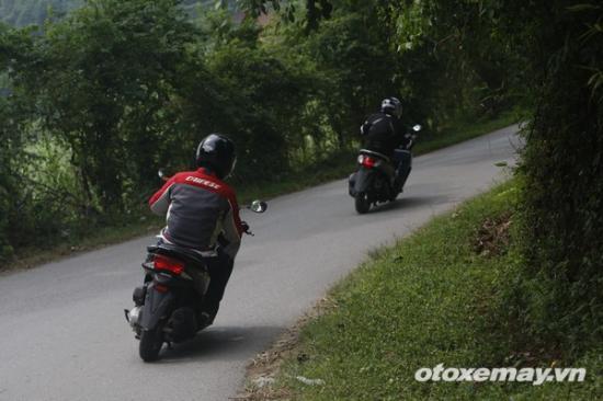 Honda PXC và Yamaha NM-X A16