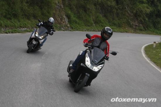 Honda PXC và Yamaha NM-X A17