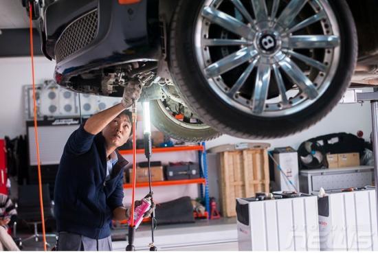 Bentley Hà Nội kiểm tra xe miễn phí3