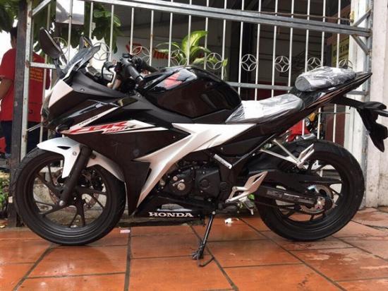 Honda CBR150R 2017 5