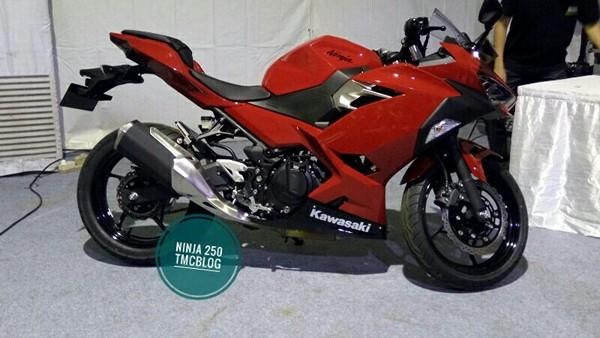 Kawasaki Ninja 250  3