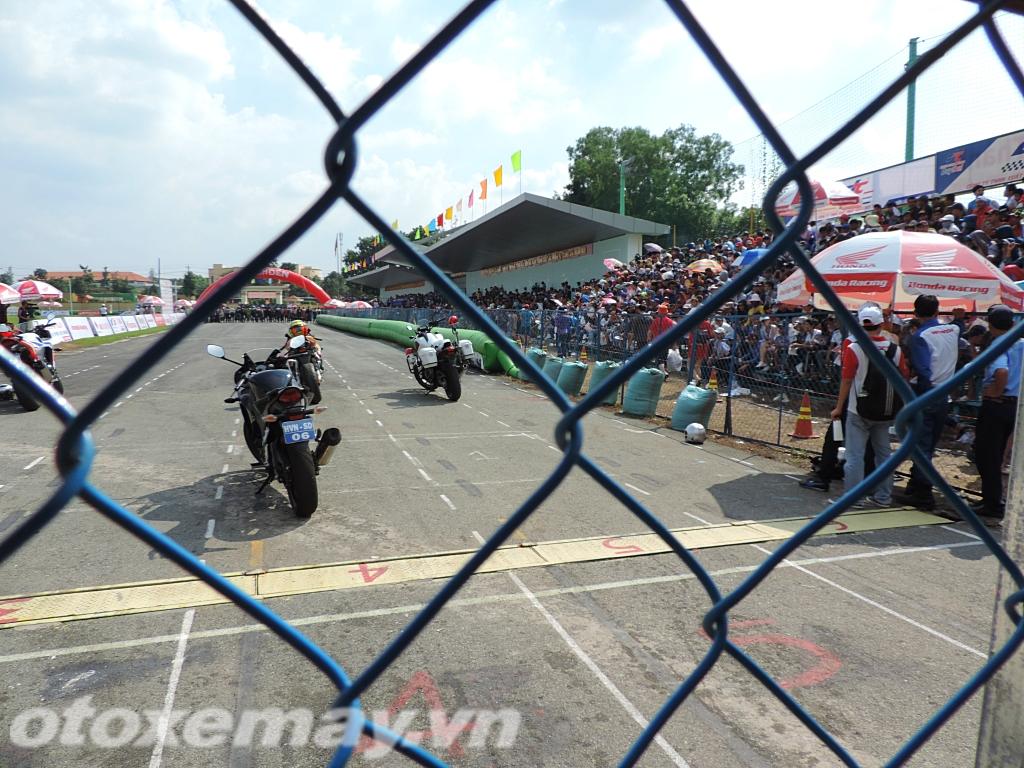 Sôi sục đua xe Honda Racing Bình Dương_ảnh2