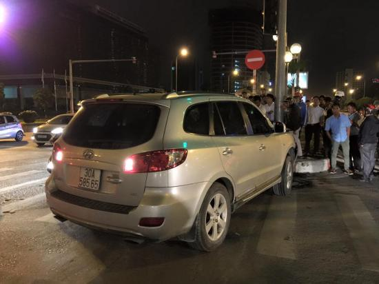 Xe Hyundai Grand i10 bị va chạm tại khoảng bến xe Mỹ Đình và đuổi theo xe Santa Fe - ảnh2