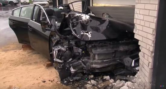 Subaru Legacy tai nạn 3