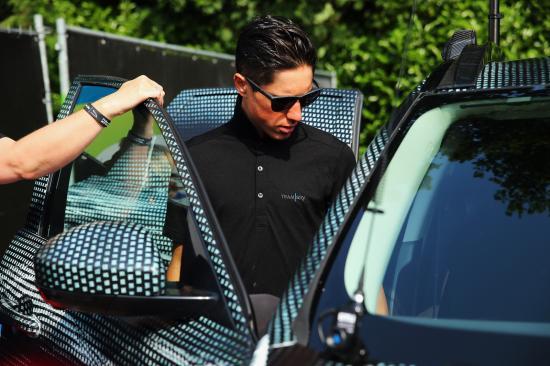 SUV đầu tiên của Jaguar tham dự Tour de France anh 4
