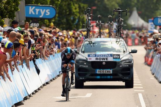 SUV đầu tiên của Jaguar tham dự Tour de France anh 6