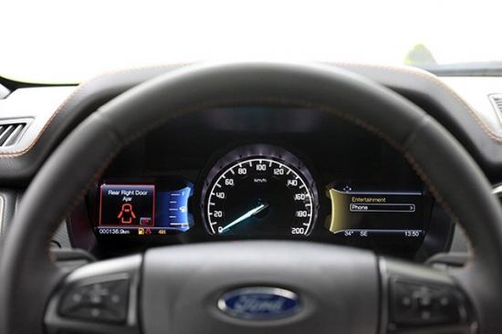 xe Ford Ranger 5