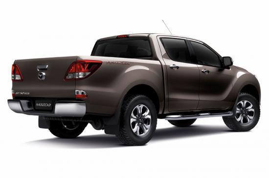 Mazda BT50 pro 2015 được nâng cấp nội/ngoại thất 2