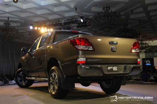 Mazda BT50 pro 2015 được nâng cấp nội/ngoại thất 7
