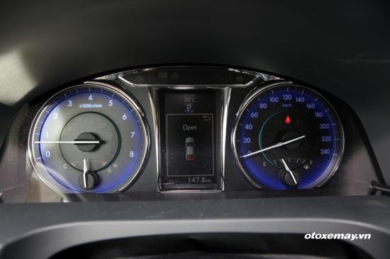 Trải nghiệm Toyota Camry 2015 25