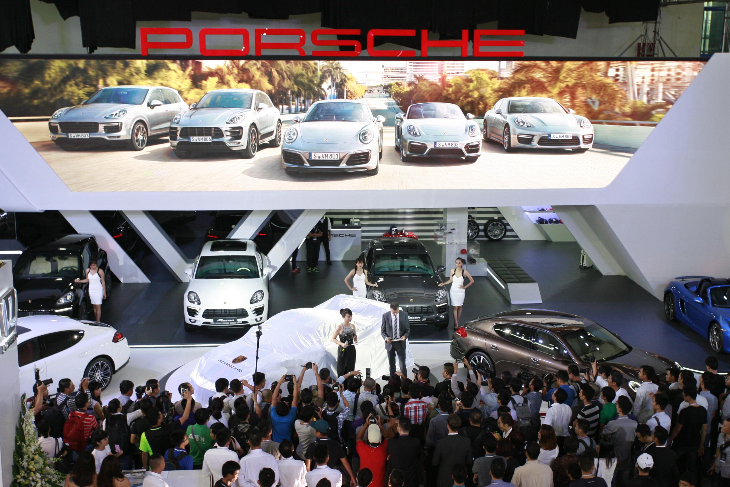 VIMS 2015: Ngày đầu triển lãm: 20.000 lượt khách, trên 60 xe bán_ảnh11