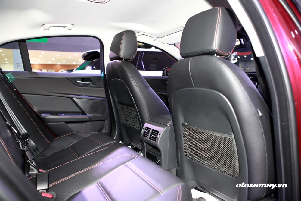 Jaguar XE 2015 làm nóng phân khúc sedan hạng sang Việt Nam-9