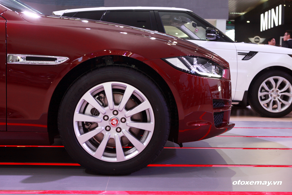 Jaguar XE 2015 làm nóng phân khúc sedan hạng sang Việt Nam-13
