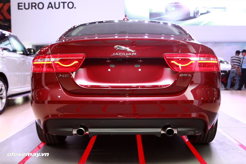 Jaguar XE 2015 làm nóng phân khúc sedan hạng sang Việt Nam-4