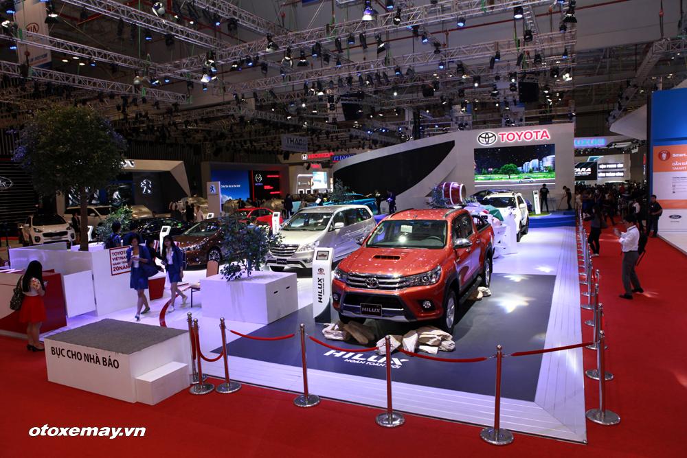 Toyota Hilux mới bắt đầu gây dấu ấn trên thị trường