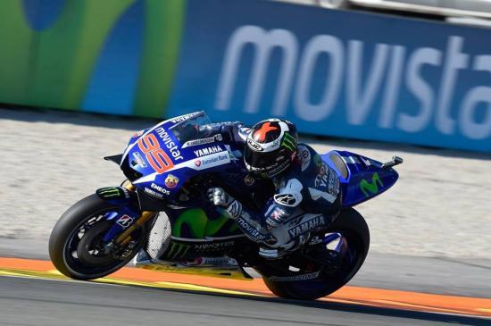 Rossi để tuột chiến thắng ở vòng đua cuối 14