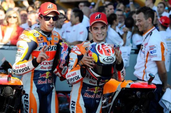 Rossi để tuột chiến thắng ở vòng đua cuối 1