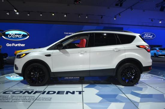Ford tập trung khá nhiều vào nội thất xe 12