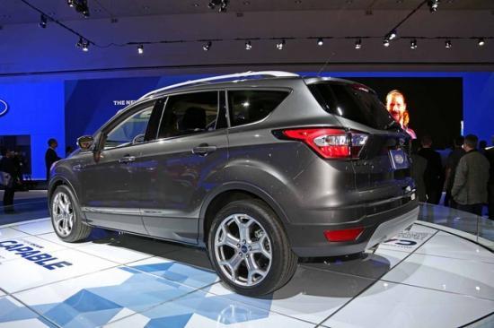 Ford tập trung khá nhiều vào nội thất xe 2