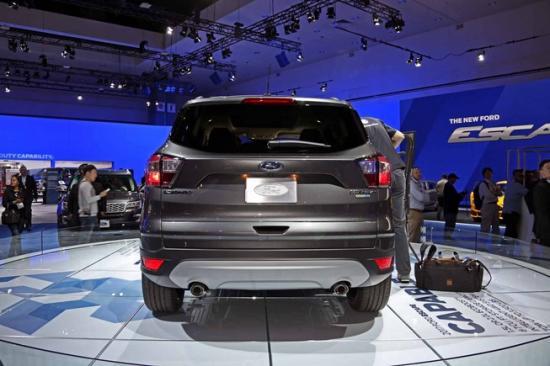 Ford tập trung khá nhiều vào nội thất xe 1