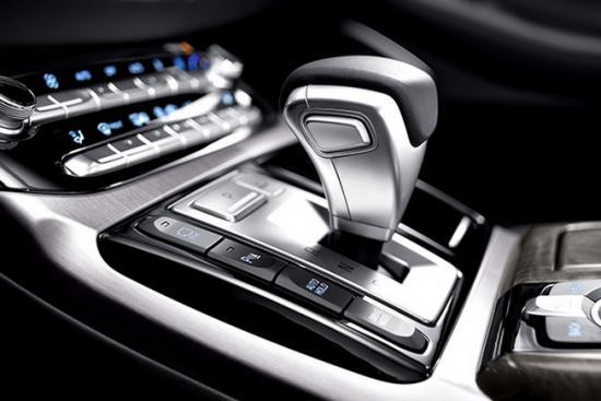 Cạnh tranh trong phân khúc sedan hạng san 8