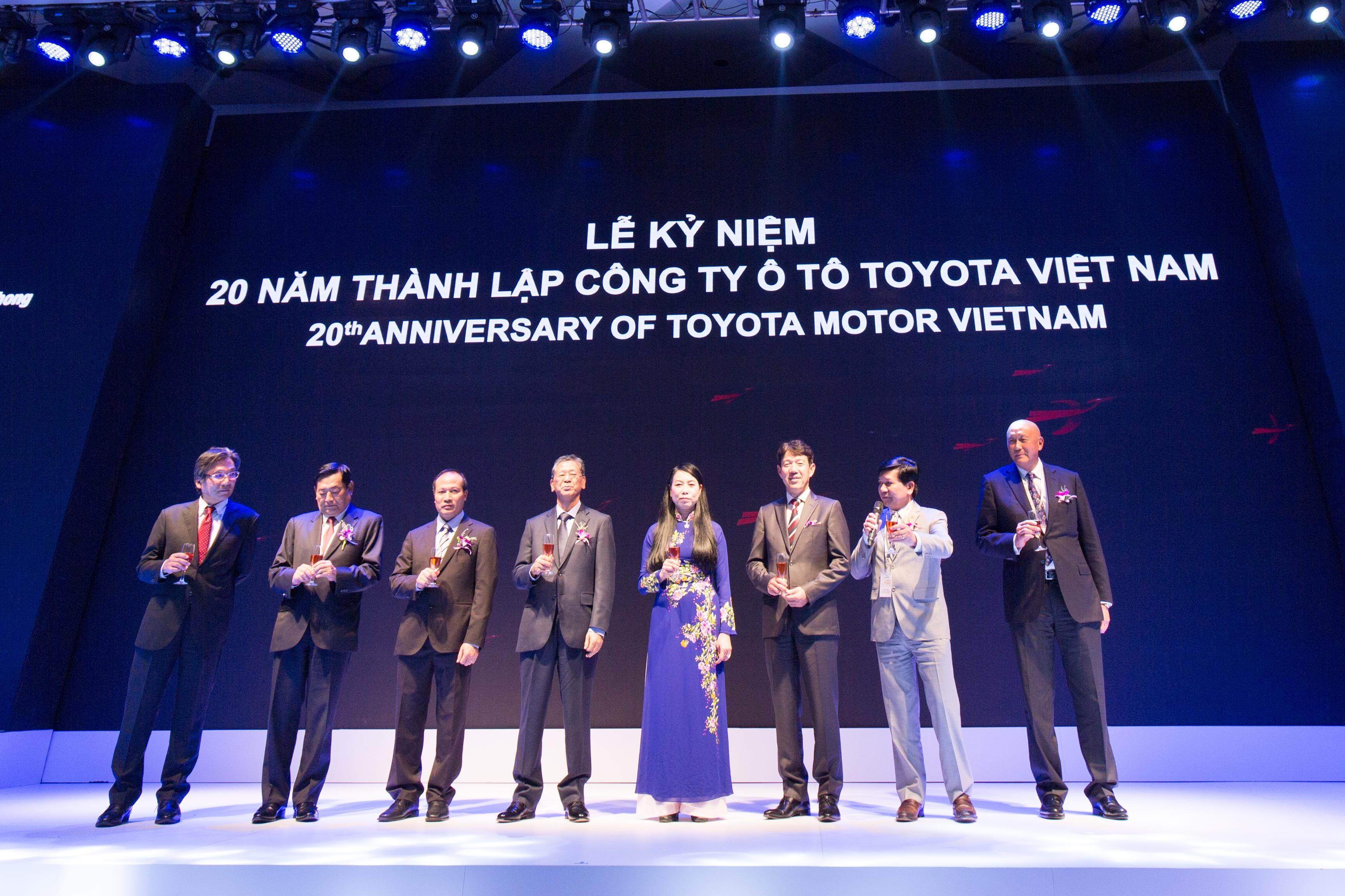 Với những đóng góp cho xã hội Việt Nam