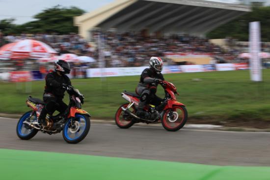 Honda Việt Nam lấn sân vào xe đua 15