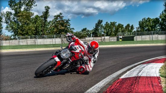 Ducati Monster 1200 R – naked bike mạnh nhất của Ducati ra mắt 19