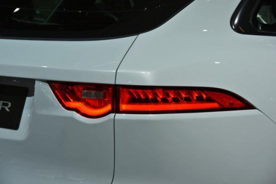 IAA 2015: Jaguar F-Pace nhiều tuỳ chọn động cơ có giá từ 42.000 USD_anh16