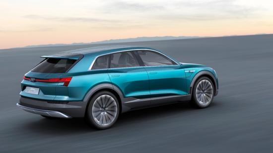 IAA 2015: Audi thách thức Tesla bằng E-tron Quattro đầy sắc sảo 2