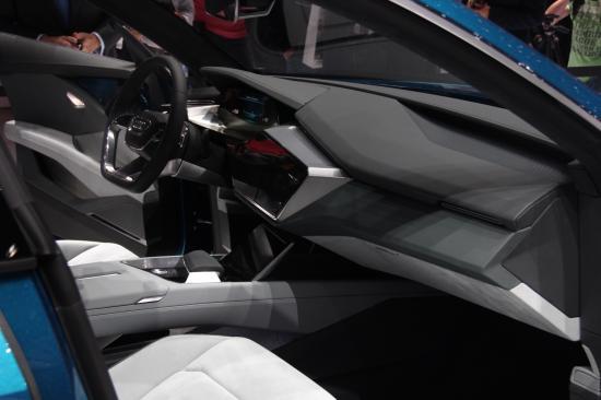 IAA 2015: Audi thách thức Tesla bằng E-tron Quattro đầy sắc sảo7