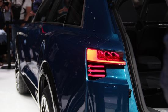 IAA 2015: Audi thách thức Tesla bằng E-tron Quattro đầy sắc sảo9